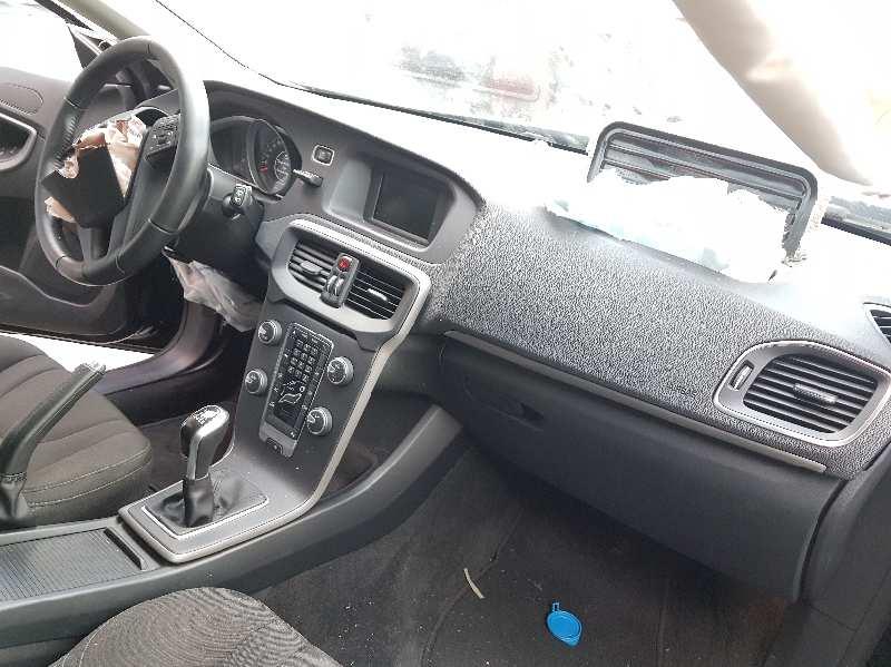 volvo v40 manual transmission