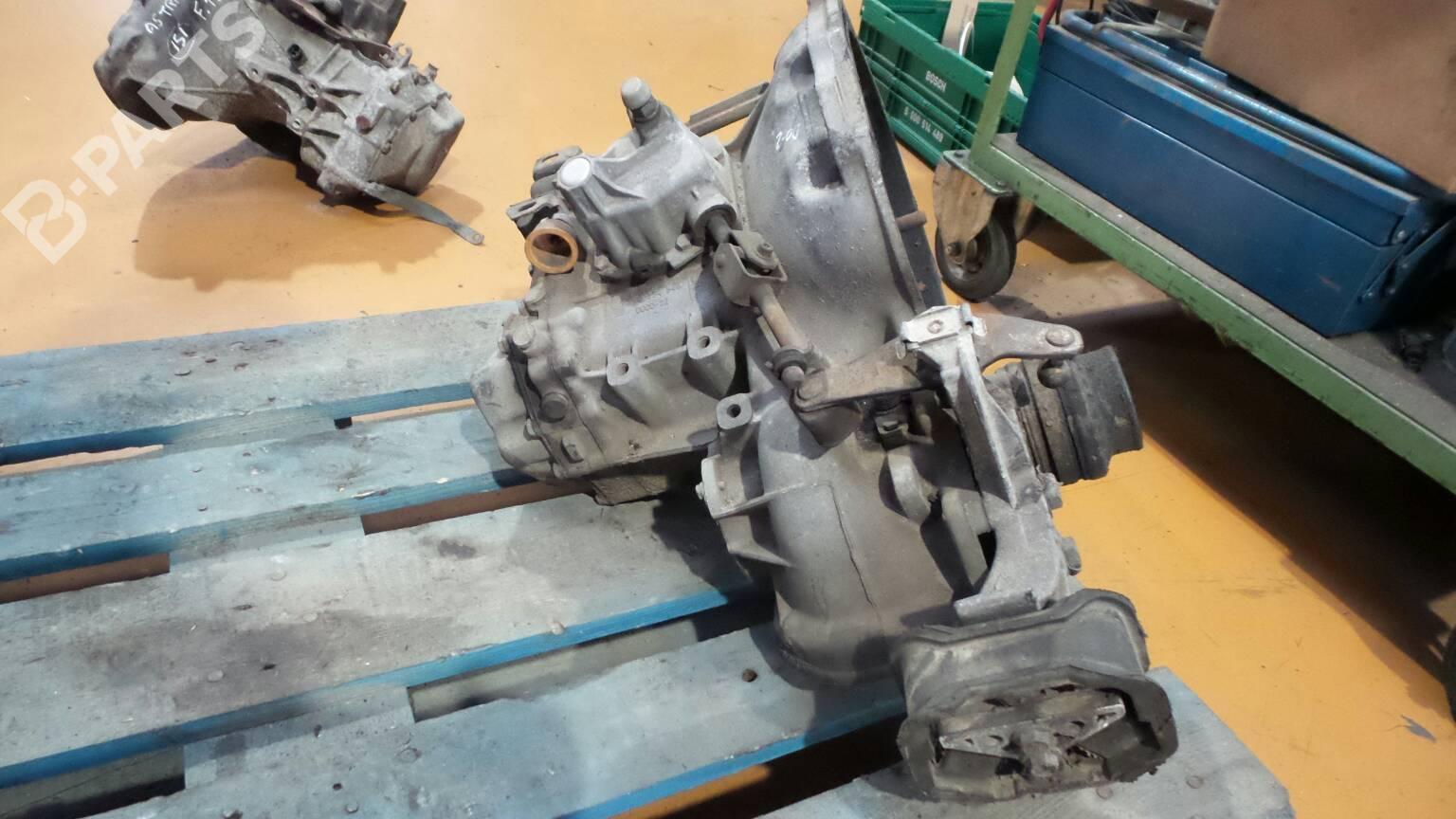 manual gearbox opel astra f 56 57 1 7 td 31981 rh b parts com Piese Auto Opel Astra F Dezmembrari Opel Astra F Caravan