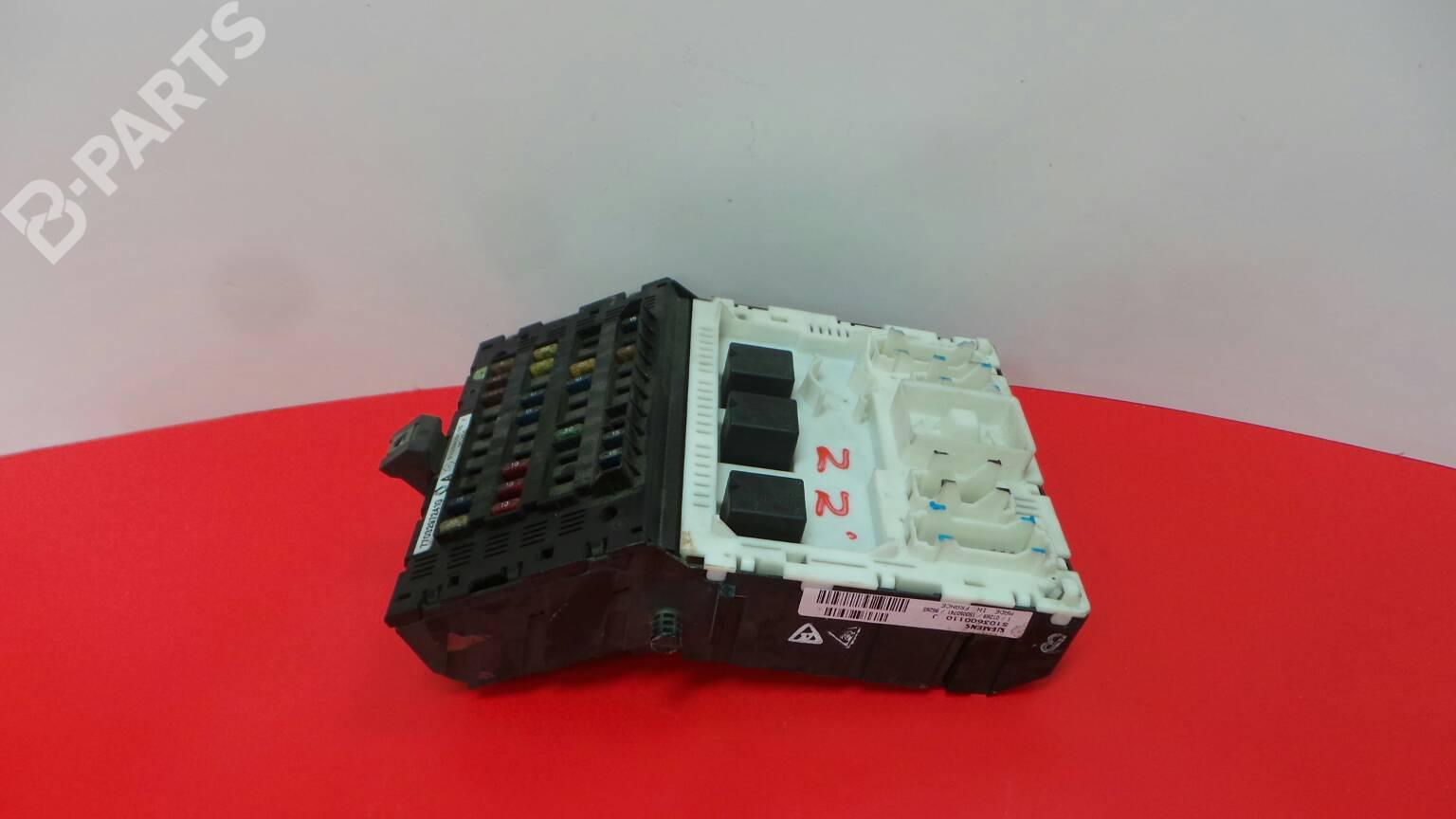 Fuse Box Renault Megane I Ba0 1 14 E Ba0e Ba0v 1295971 Parts S103600110 J 7703297241g
