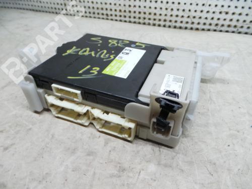 892210d110 / mb2380008333 fuse box yaris (_p13_) 1 3 (nsp130_) (99 hp