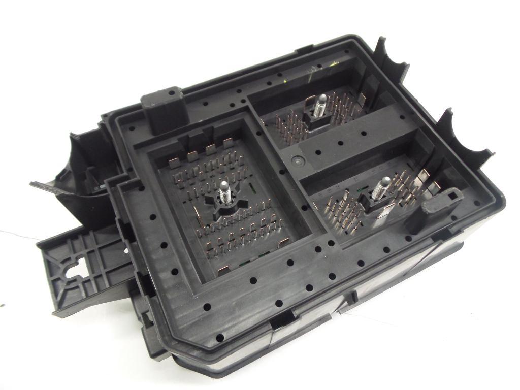 Fuse Box 39068003 / 30959L OPEL, CORSA E 1.4 Turbo(5 doors) (