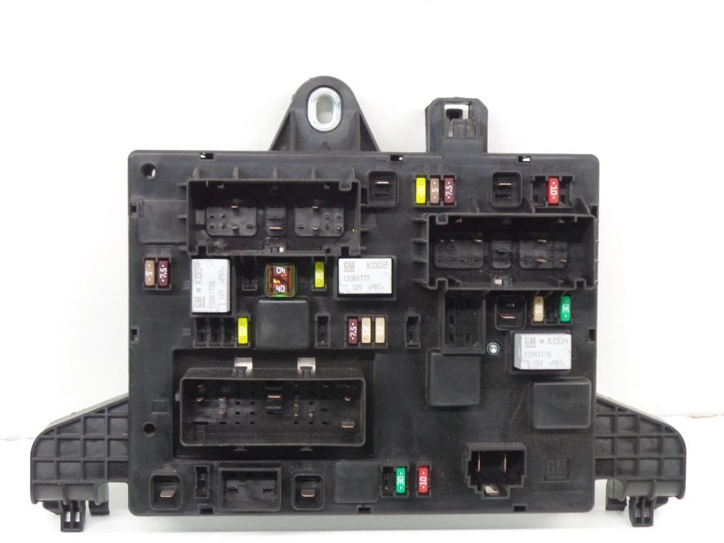 Fuse Box 13368653 / 365927 OPEL, ZAFIRA TOURER C (P12) 1.4(5