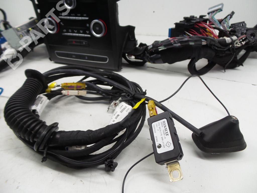 Radio Renault Megane Iv Hatchback B9a M N 15 Dci 110 B9a3 1121568 Automotive Electrical Terminals Wiring Connectors For Car Backlites