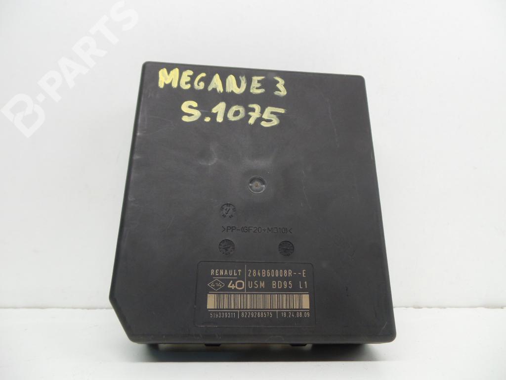 Fuse Box Renault Megane Iii Hatchback Bz0 1 15 Dci 1124421 Engine 284b60008r 8229288575 51939311 Usmbd95l1