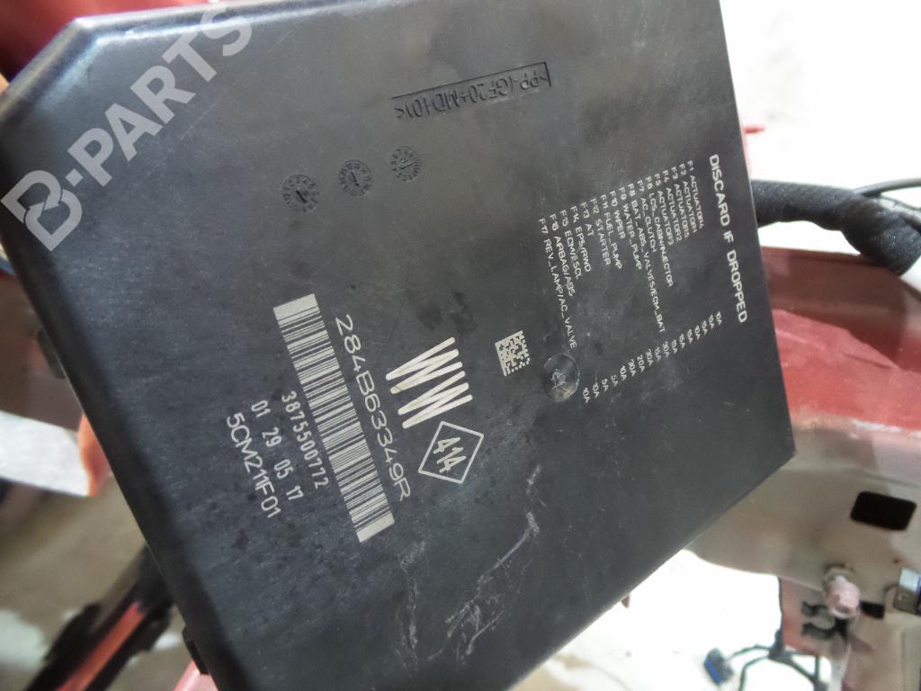 Fuse Box Renault Megane Iv Hatchback B9a M N 15 Dci 110 B9a3 Parts 284b63349r 387550772 5cm211f01