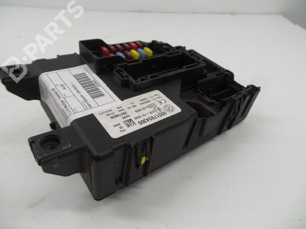 Fuse Box 00517954300 / 28079638 FIAT, GRANDE PUNTO (199_) 1.3 D Multijet(  ...