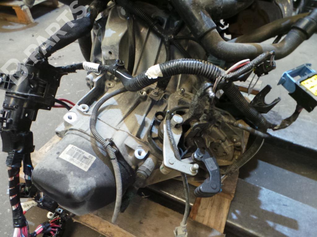 Manual Gearbox C/ 260.000 Km / JR5335 / R098528 RENAULT, CLIO IV (BH_