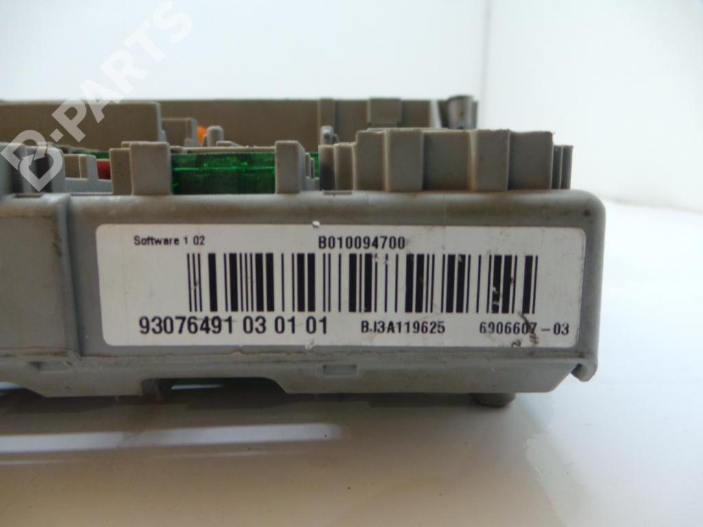 Fuse Box Bmw 3 E90 320 D 1511791 2007 Series 690660703 B010094700 93076491