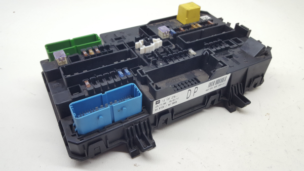 fuse box 13181278 opel, astra h (a04) (5 doors), 2004