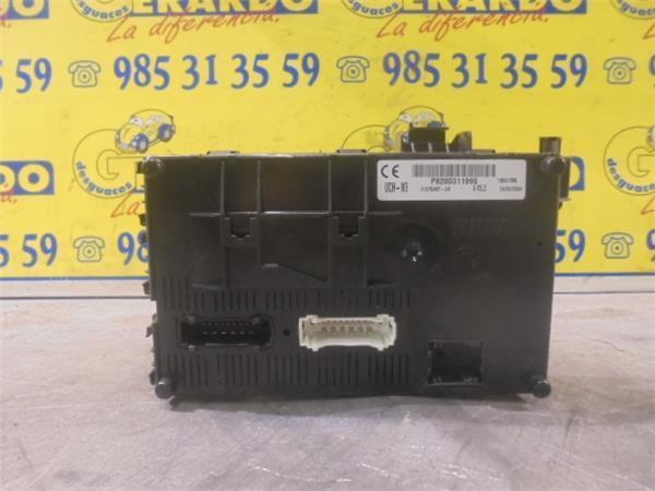Fuse Box Renault Clio Ii Bb Cb 2 0 16v Sport B Parts