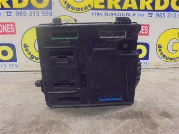 fuse box renault megane iii hatchback (bz0 1_) 1 9 dci (bz0n, bz0j Renault Duster fuse box 284b13297rs180098201 renault, megane iii hatchback (bz0 1_) 1 9 dci (