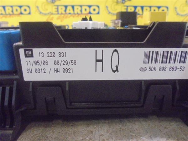 fuse box 13220831 05dk008669-53