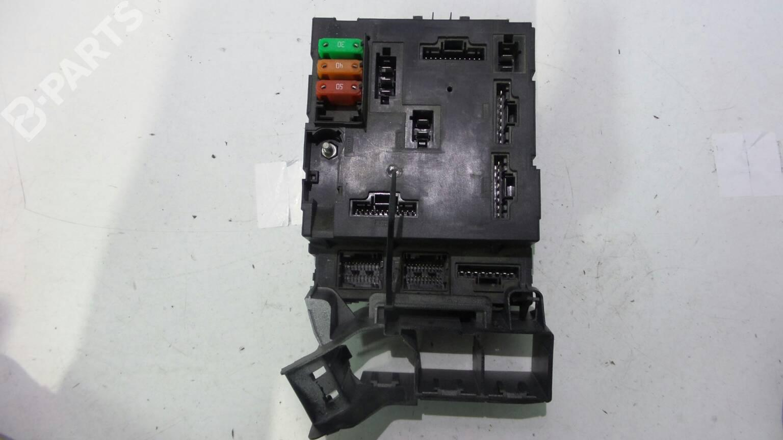 ... Fuse Box 4500389374711537 SMART, FORTWO Coupe (451) 1.0 (451.331,  451.380)