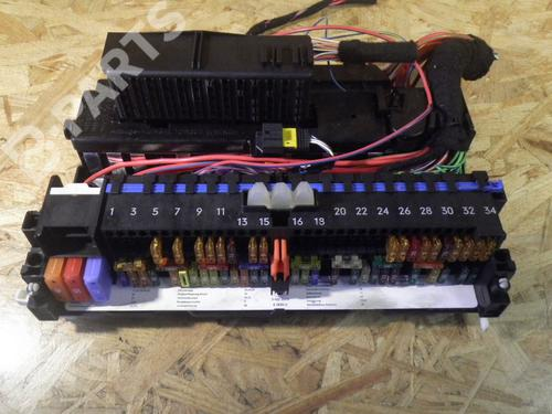 Fuse Box BMW X3 (E83) 2.0 d | B-Parts Fuse Box Bmw X on
