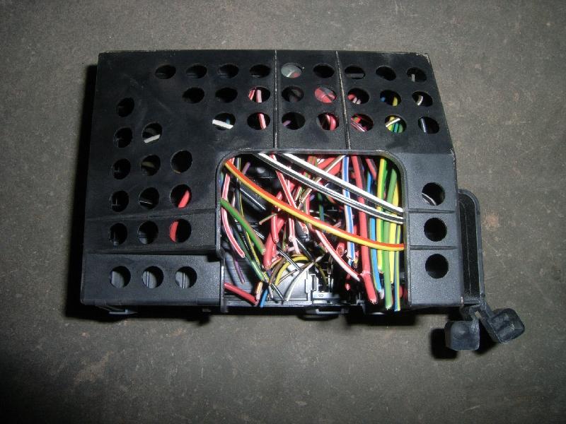fuse box 0001683v001|| smart, fortwo coupe (450) 0 8 cdi (450 300