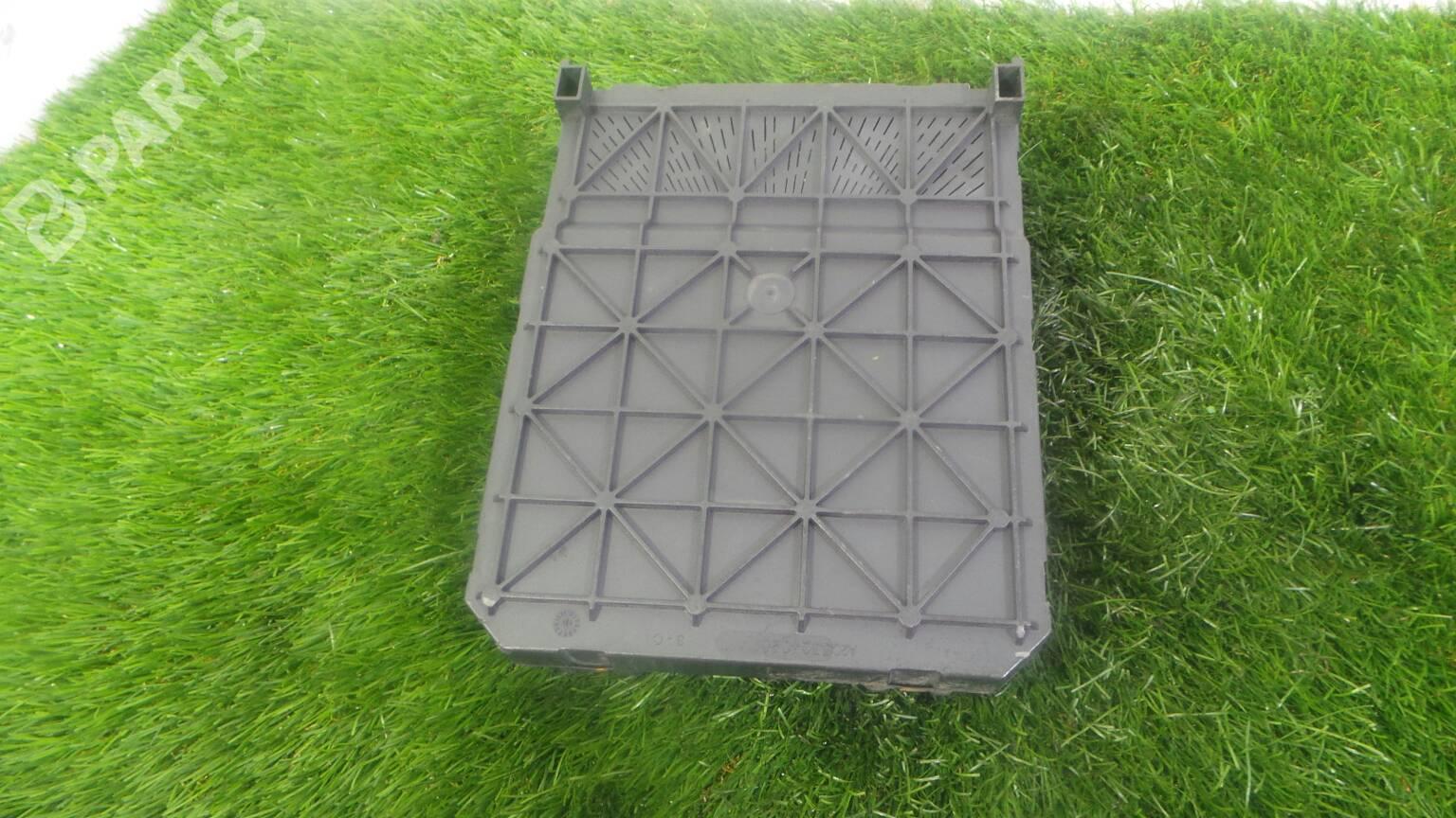 ... Fuse Box 9657999780 PEUGEOT, 206 SW (2E/K) 1.4 HDi(5 ...