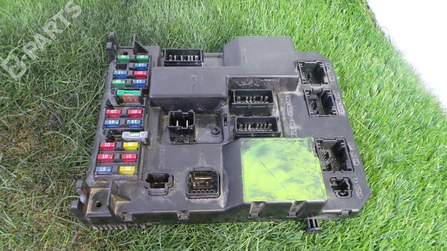 Fuse Box Peugeot 307 3a C 20 Hdi 90 1407320 2005 96 511 976 80 A