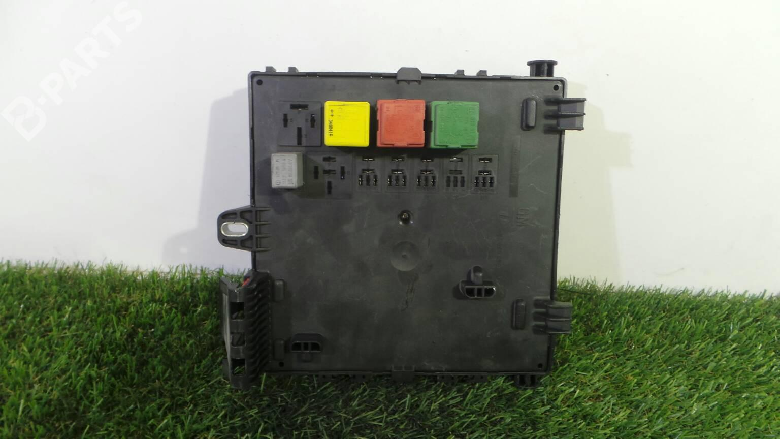 Fuse Box 13 170 890 OPEL, VECTRA C 3.0 CDTI (177hp) Y 30 ...